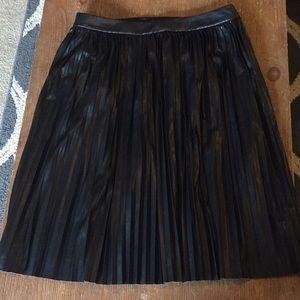 Banana Republic black pleated skirt size 10